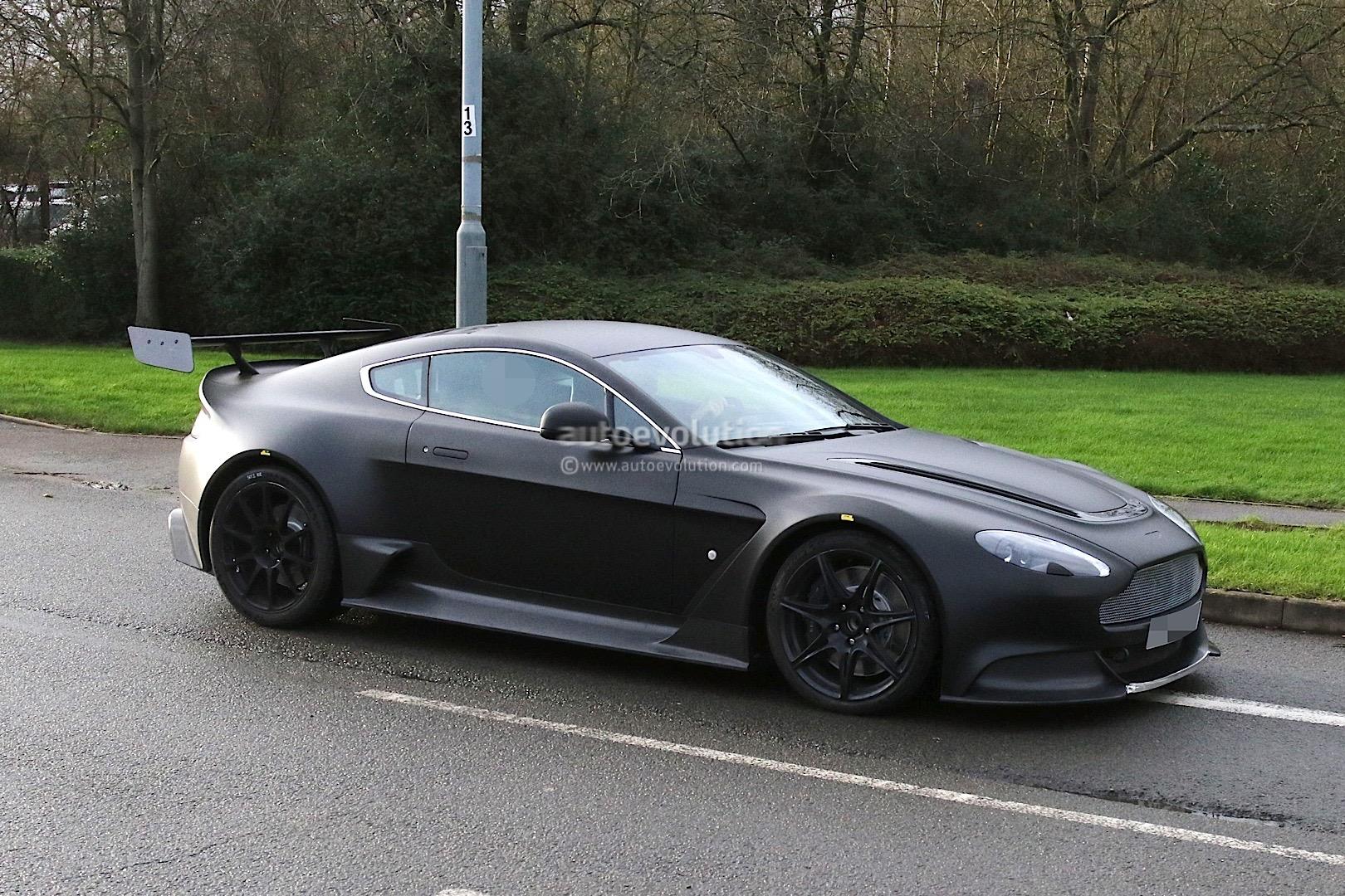 2017 Aston Martin Vantage Gt8 Spied Looks Hardcore Autoevolution