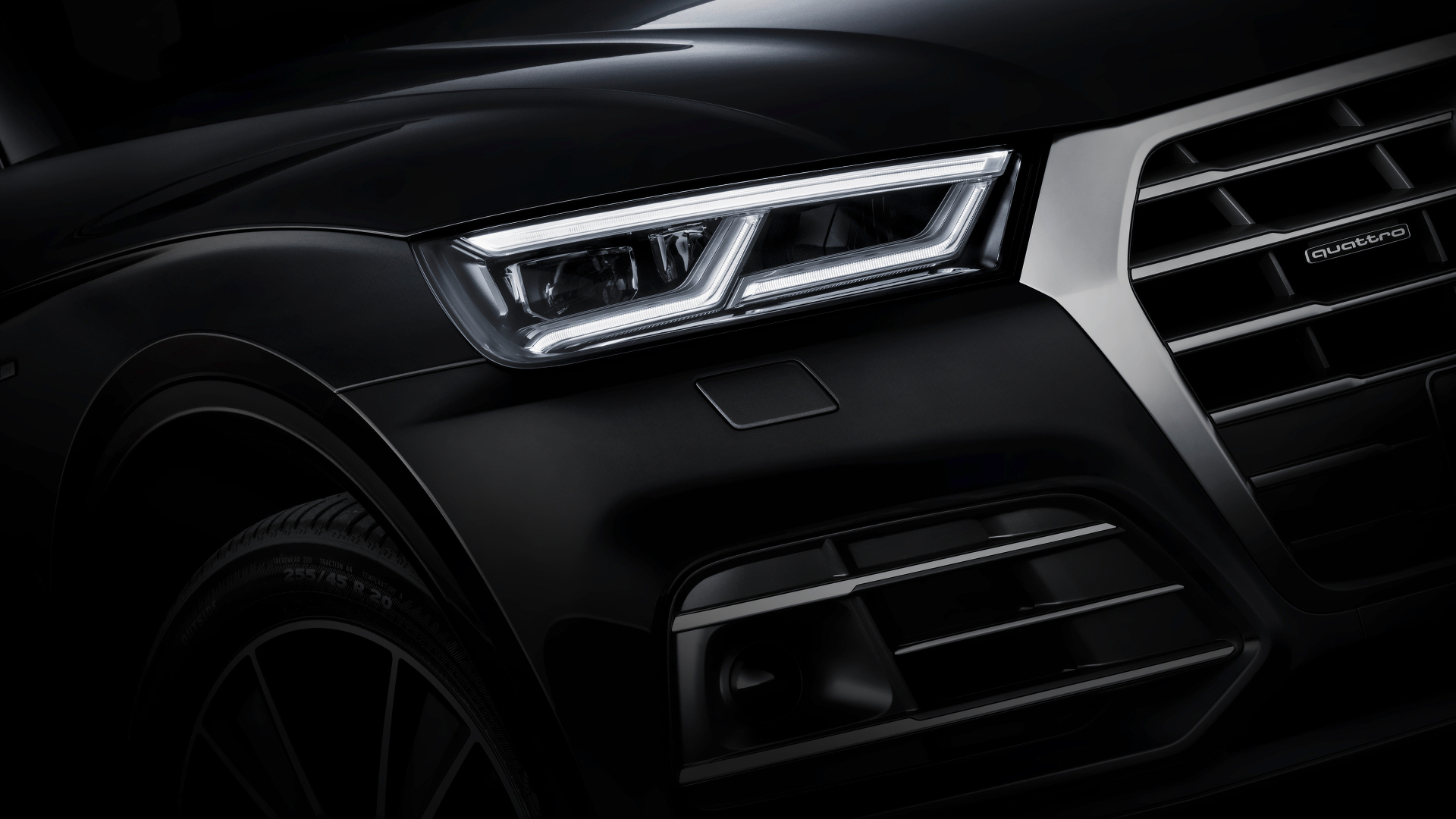 2017 Audi Q5 Shows Matrix LED Headlights and Huge Trunk