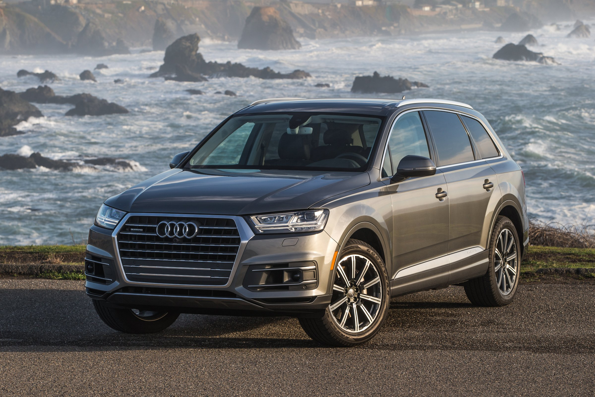 2017 audi q7 now available with 2 0 liter turbo making 252 hp autoevolution. Black Bedroom Furniture Sets. Home Design Ideas