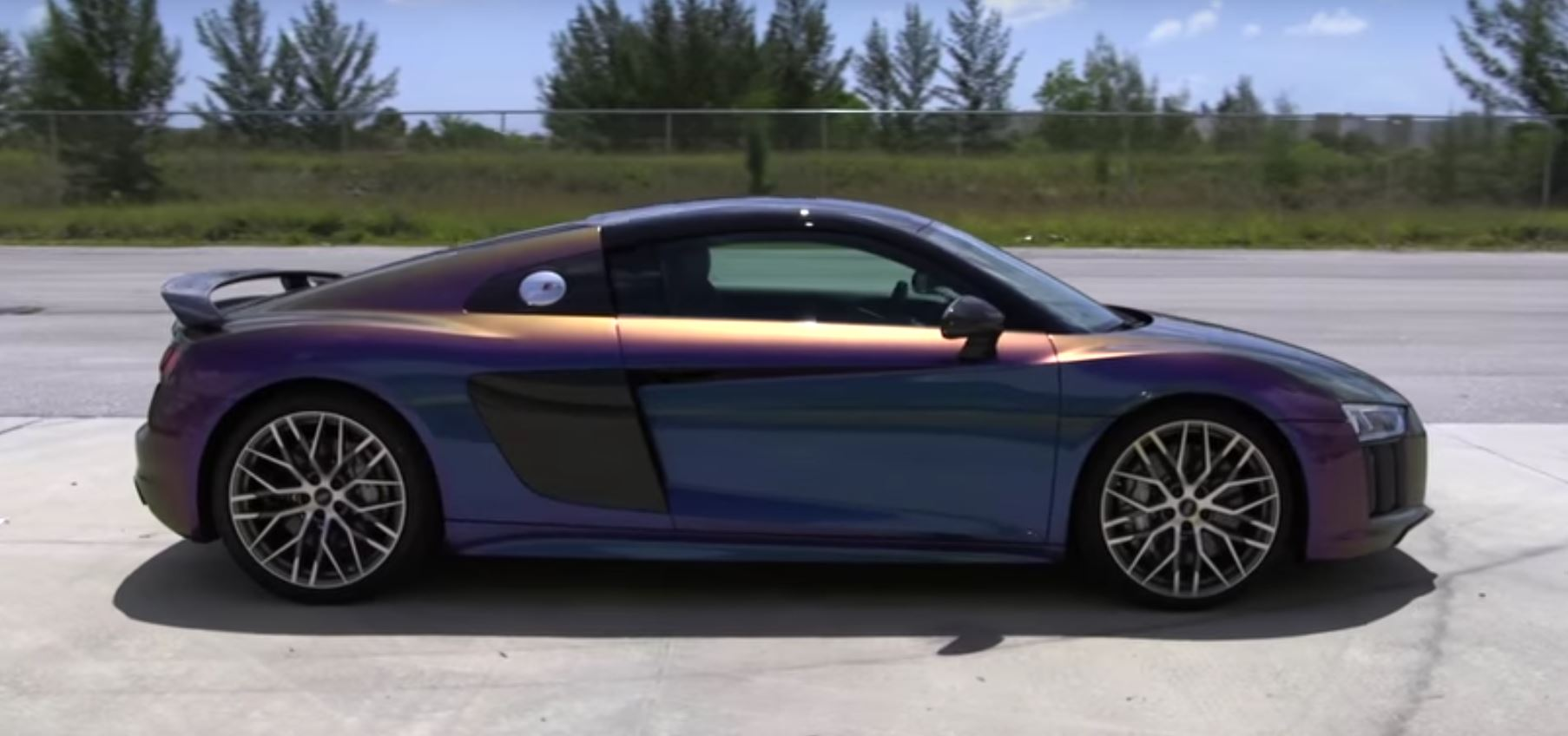 2017 Audi R8 Gets Crazy Color Flip Thanks To Dipyourcar