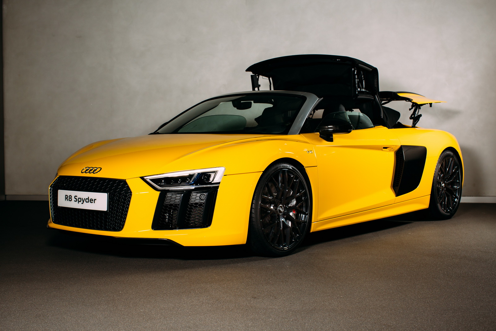 2017 audi r8 spyder launched in britain from £129,900 - autoevolution