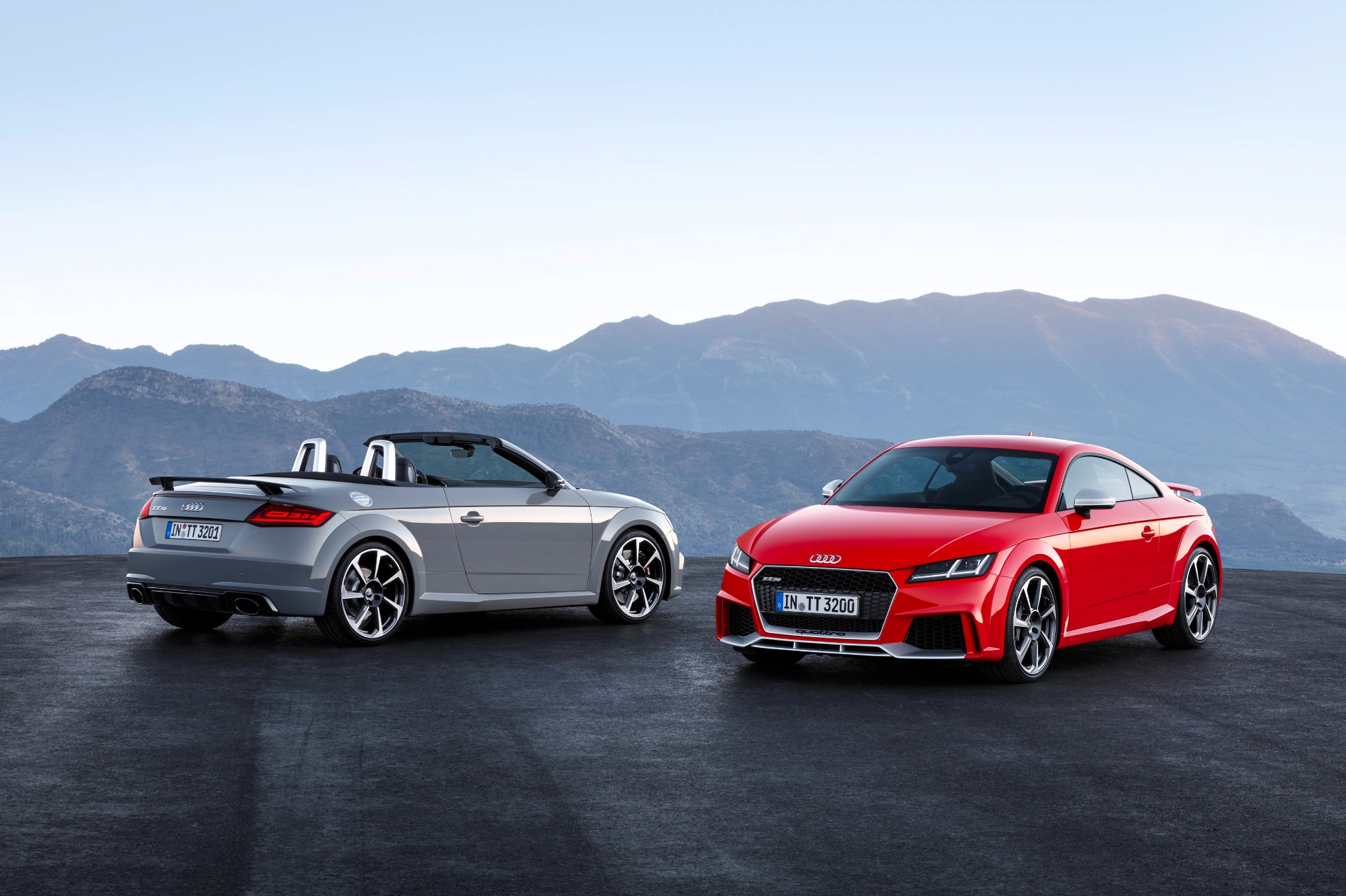 2017 Audi TT RS Roadster and Coupe Bow in Beijing with 400 HP and
