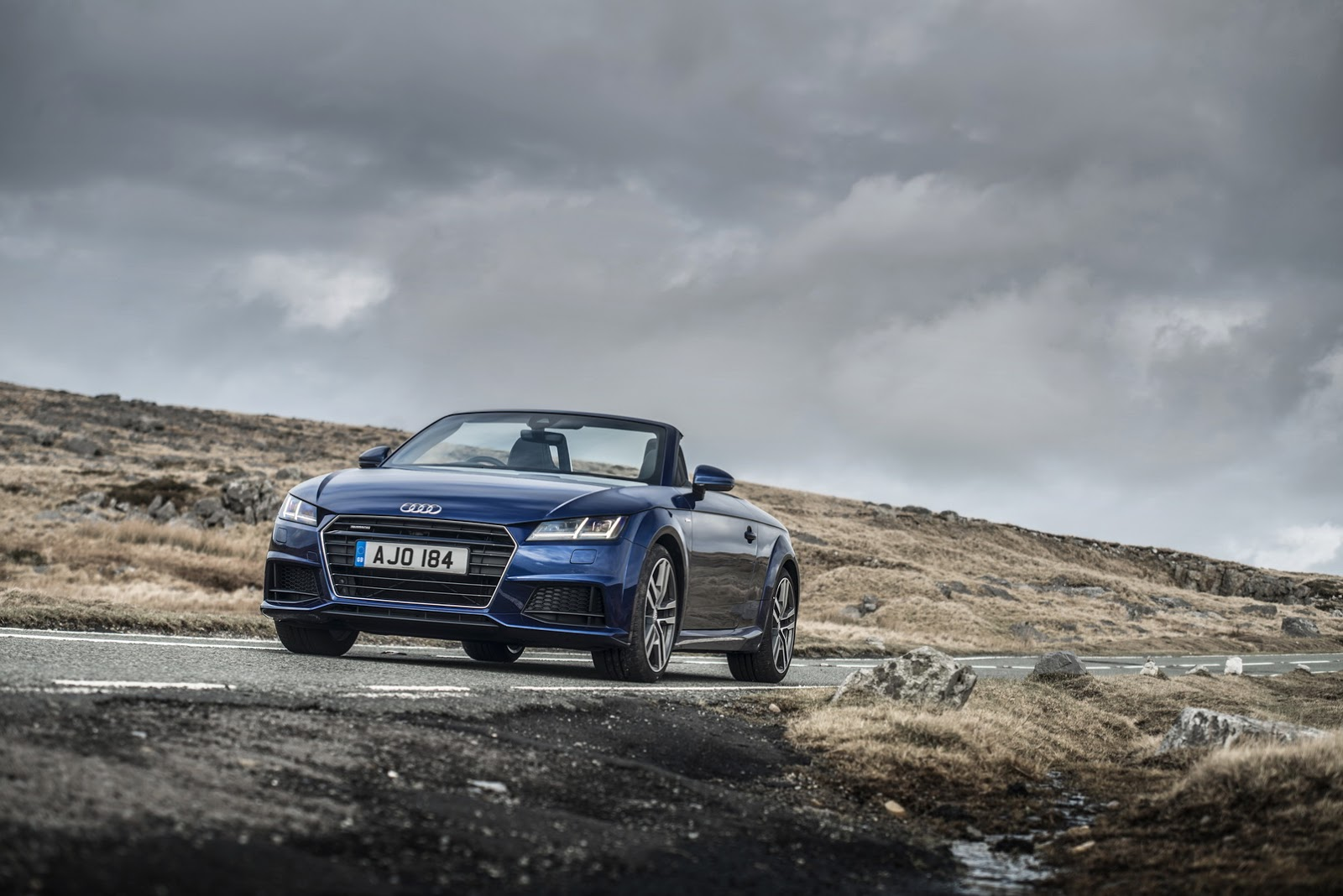 2017 audi tt tdi quattro lands in britain as coupe and. Black Bedroom Furniture Sets. Home Design Ideas