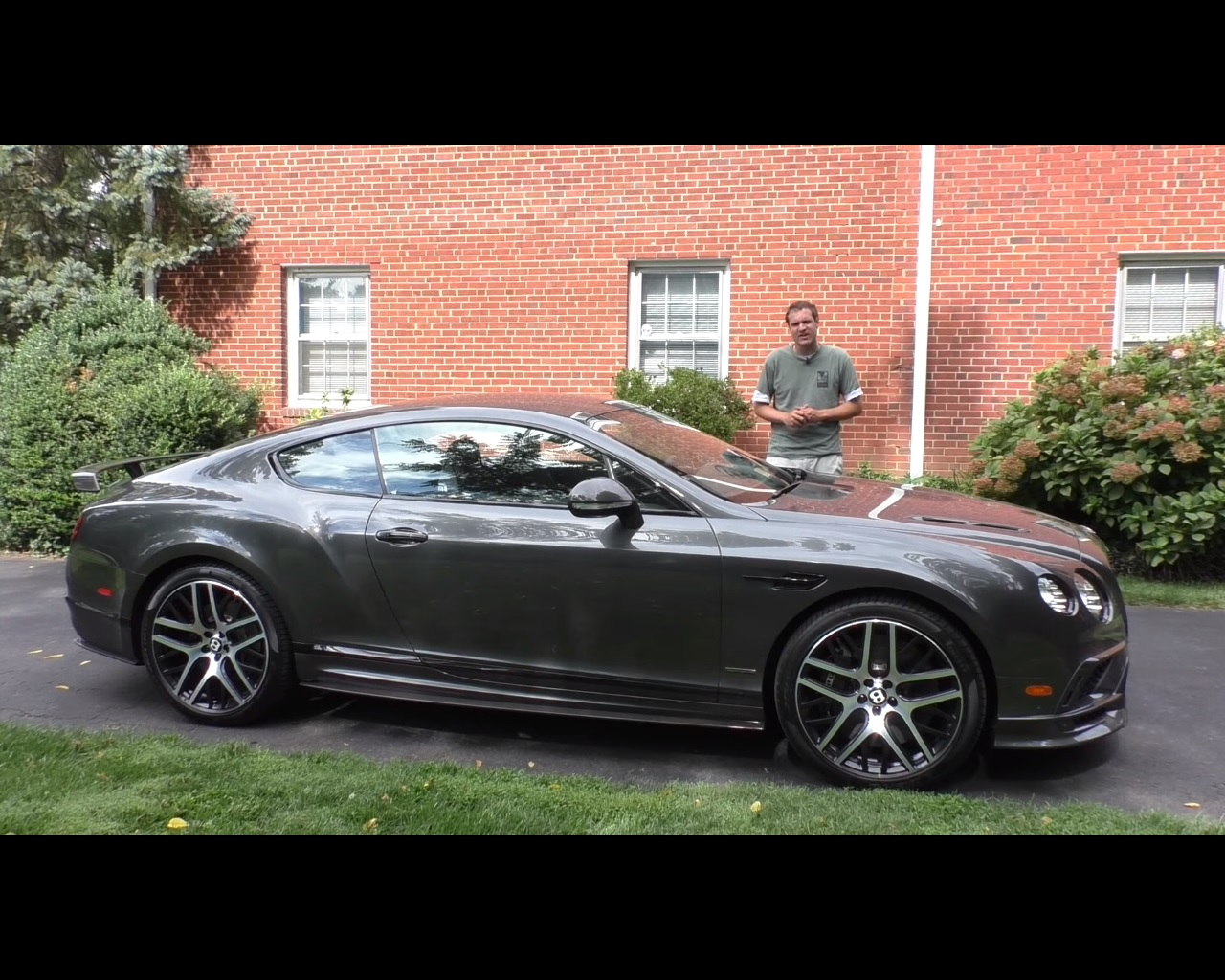 2017 bentley continental gt supersports review reveals the obvious autoevolution. Black Bedroom Furniture Sets. Home Design Ideas