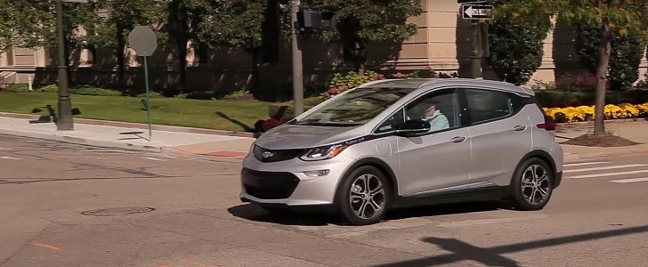2017 chevrolet bolt review can only half pick on its styling autoevolution. Black Bedroom Furniture Sets. Home Design Ideas