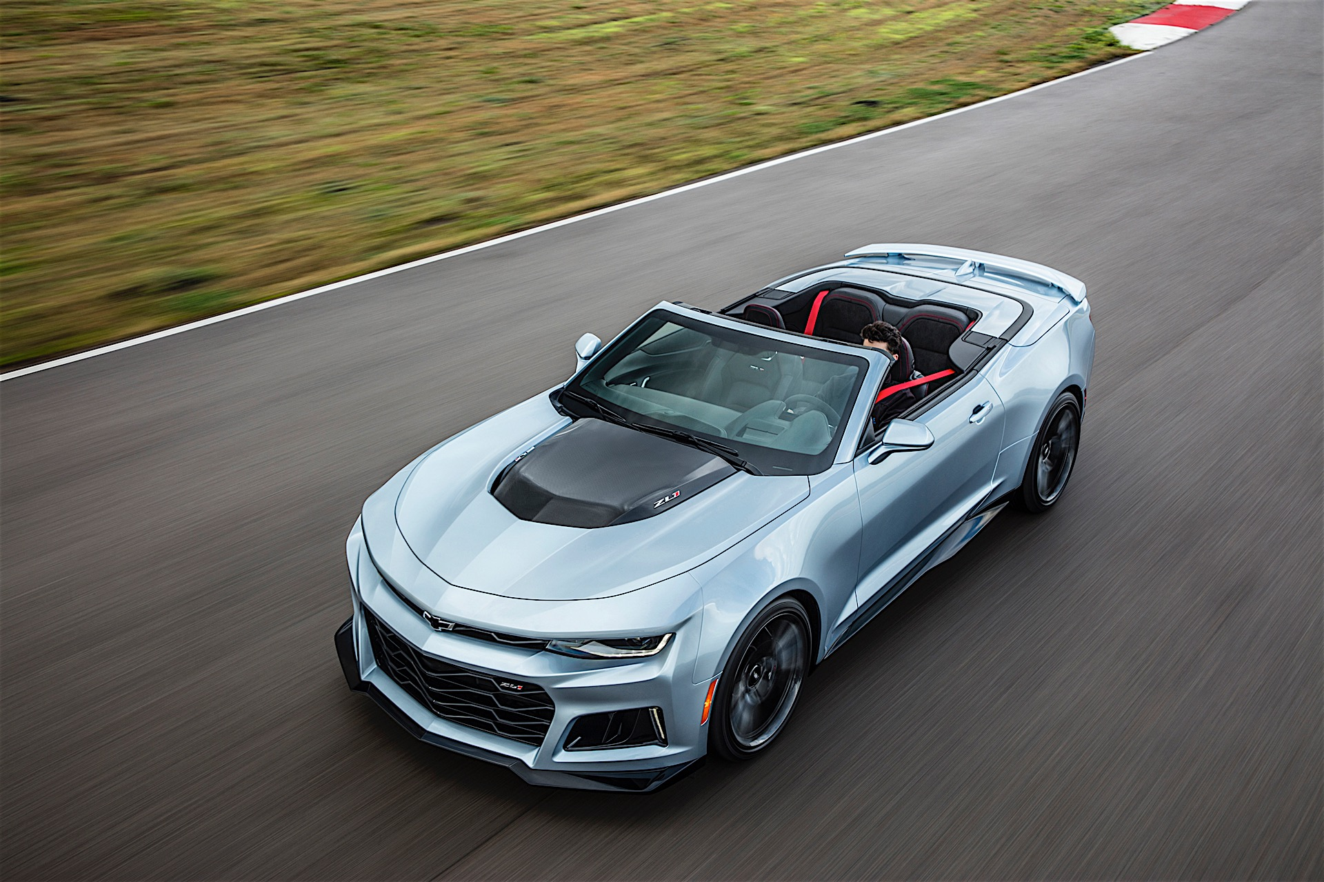 2017 Chevrolet Camaro Zl1 Convertible Brings Its Soft Top