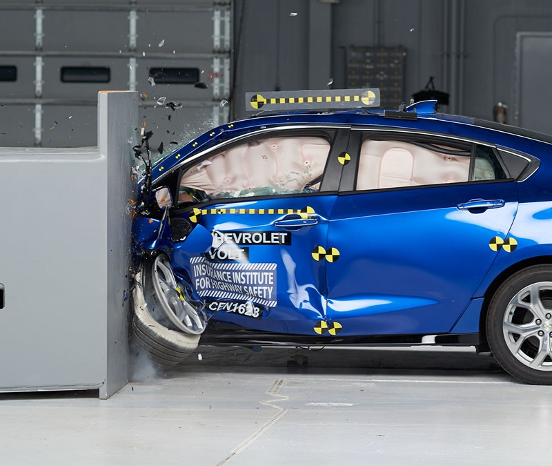 2017 Chevrolet Volt Is Super-Safe, Gets IIHS Top Safety Pick Plus ...