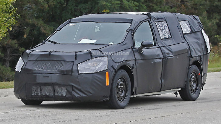 2017 chrysler town country spied up close and personal autoevolution