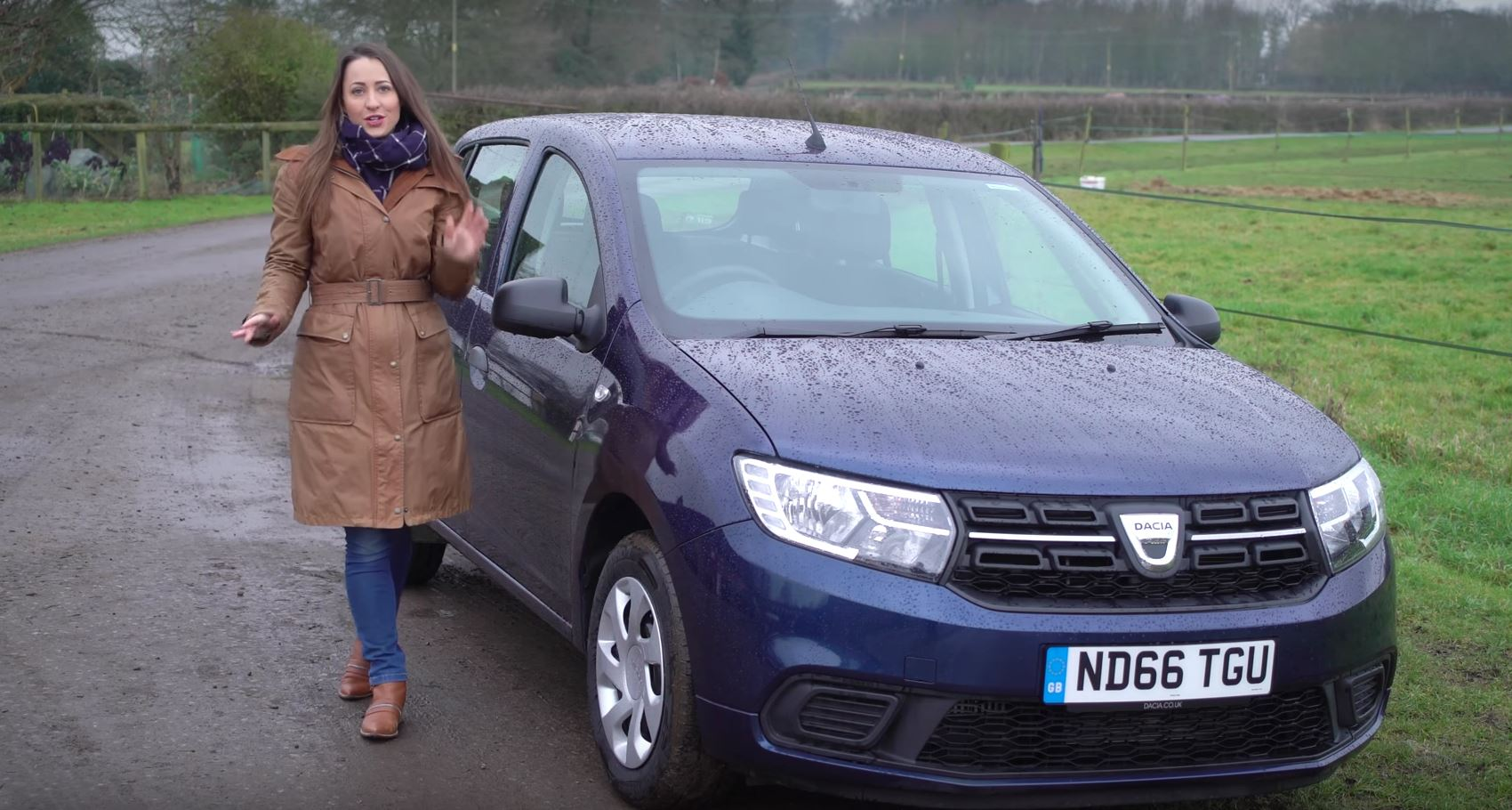 2017 dacia sandero reviewed by lovely rebecca jackson. Black Bedroom Furniture Sets. Home Design Ideas