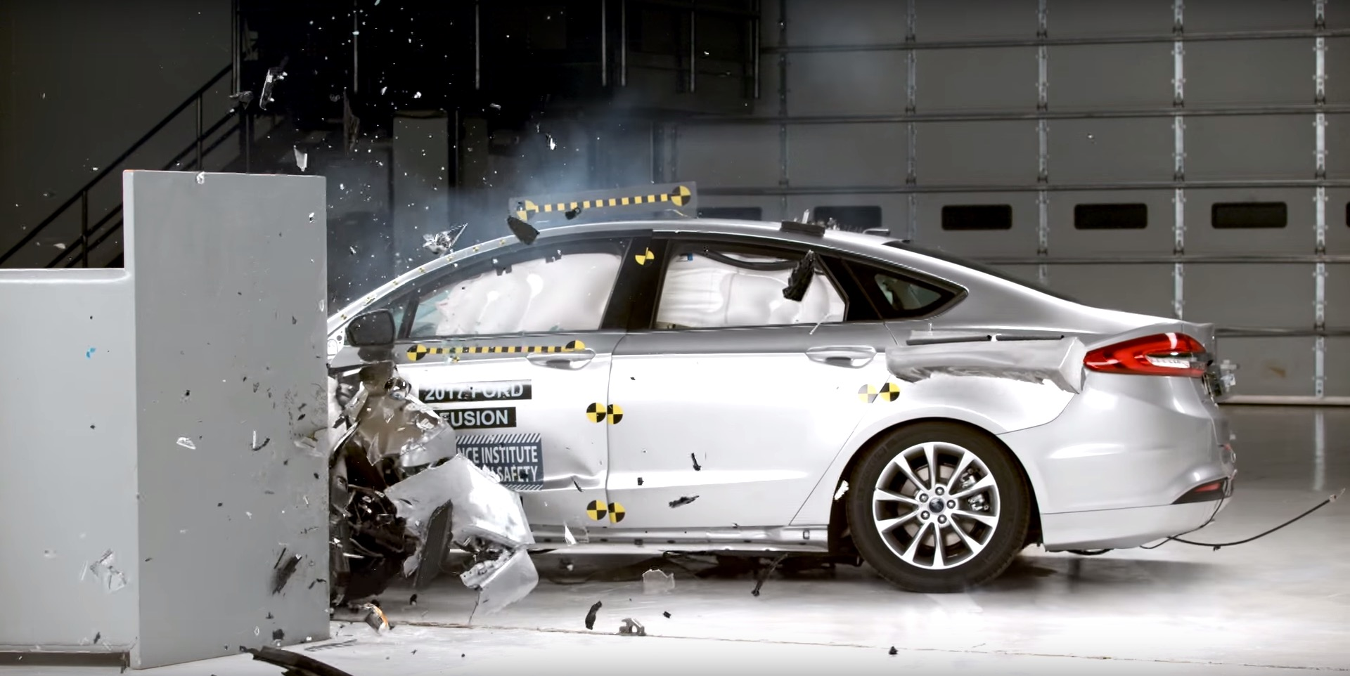 2017 ford fusion excels in iihs crash tests receives top safety pick award autoevolution. Black Bedroom Furniture Sets. Home Design Ideas