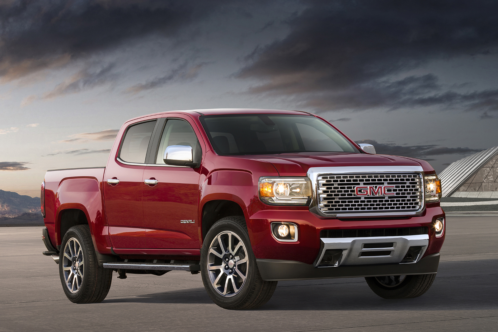 2017 Gmc Canyon Gets Denali Treatment In La Invents