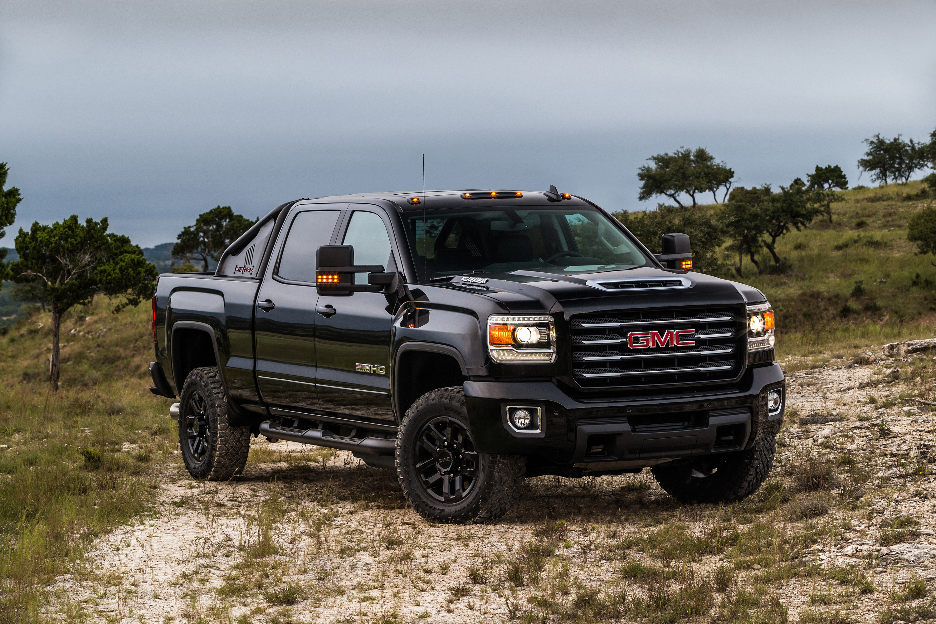 2017 gmc sierra 2500hd all terrain x reporting for off road duty autoevolution. Black Bedroom Furniture Sets. Home Design Ideas