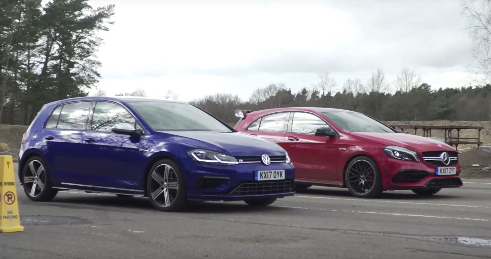 2017 golf r gets to take on mercedes amg a45 once again due to facelift autoevolution. Black Bedroom Furniture Sets. Home Design Ideas
