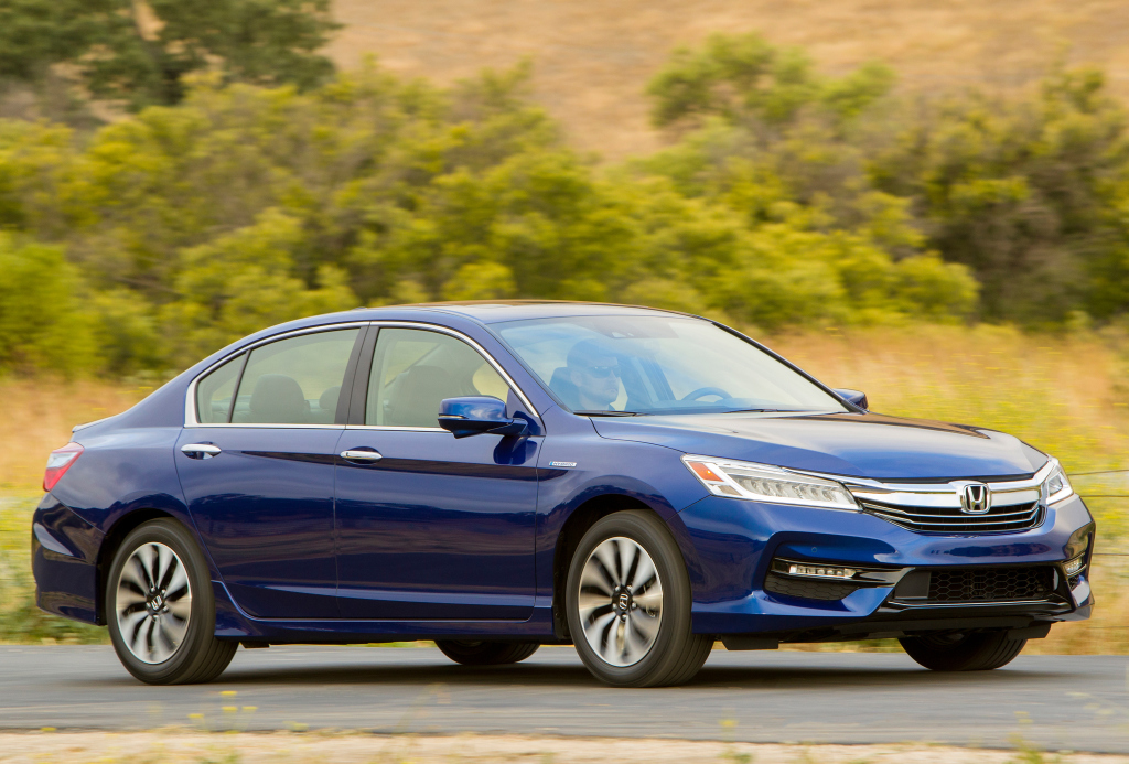 2017 honda accord hybrid gets more horsepower better. Black Bedroom Furniture Sets. Home Design Ideas