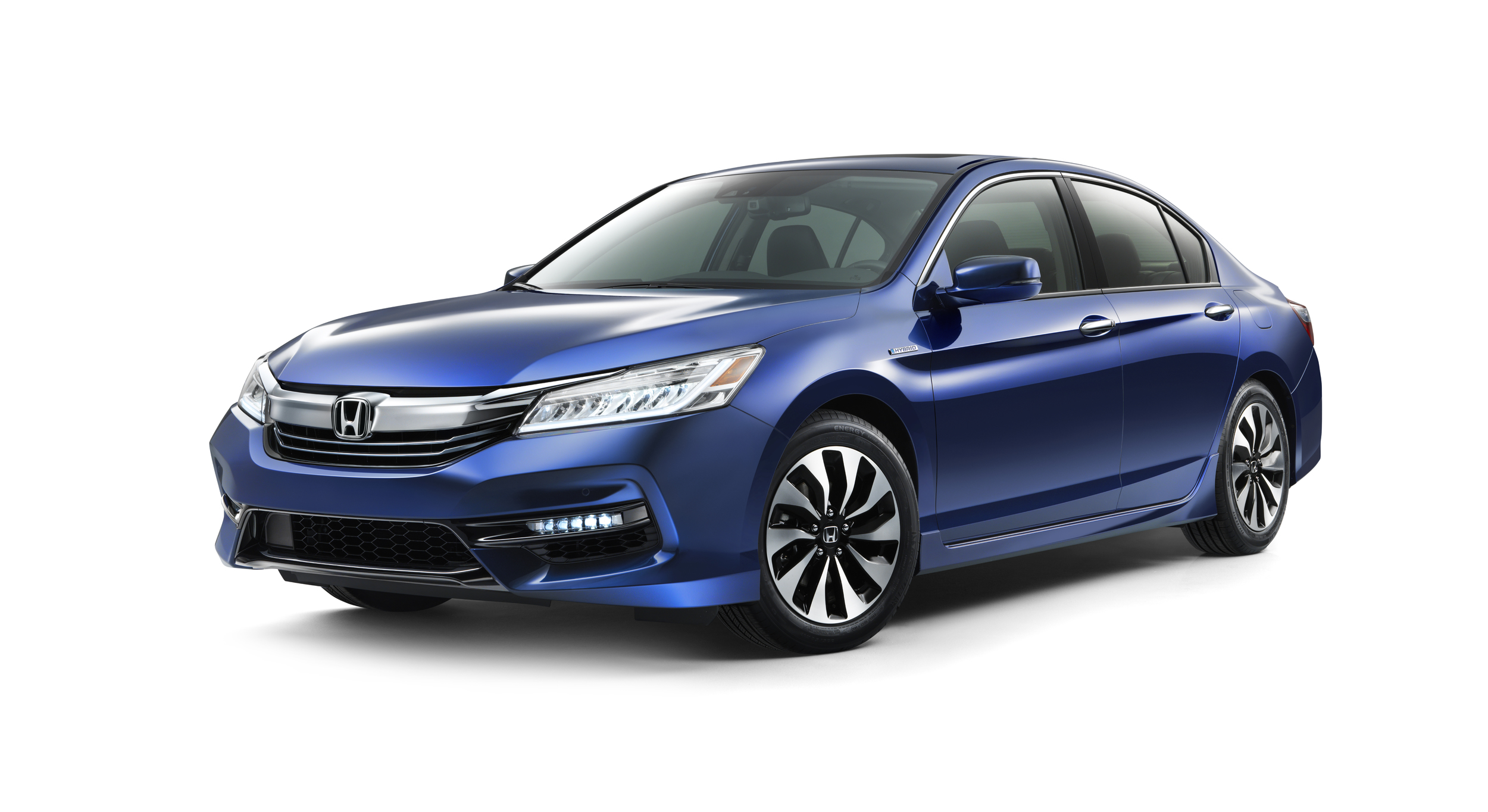2017 Honda Accord Hybrid Tops Segment with 49 MPG City - autoevolution