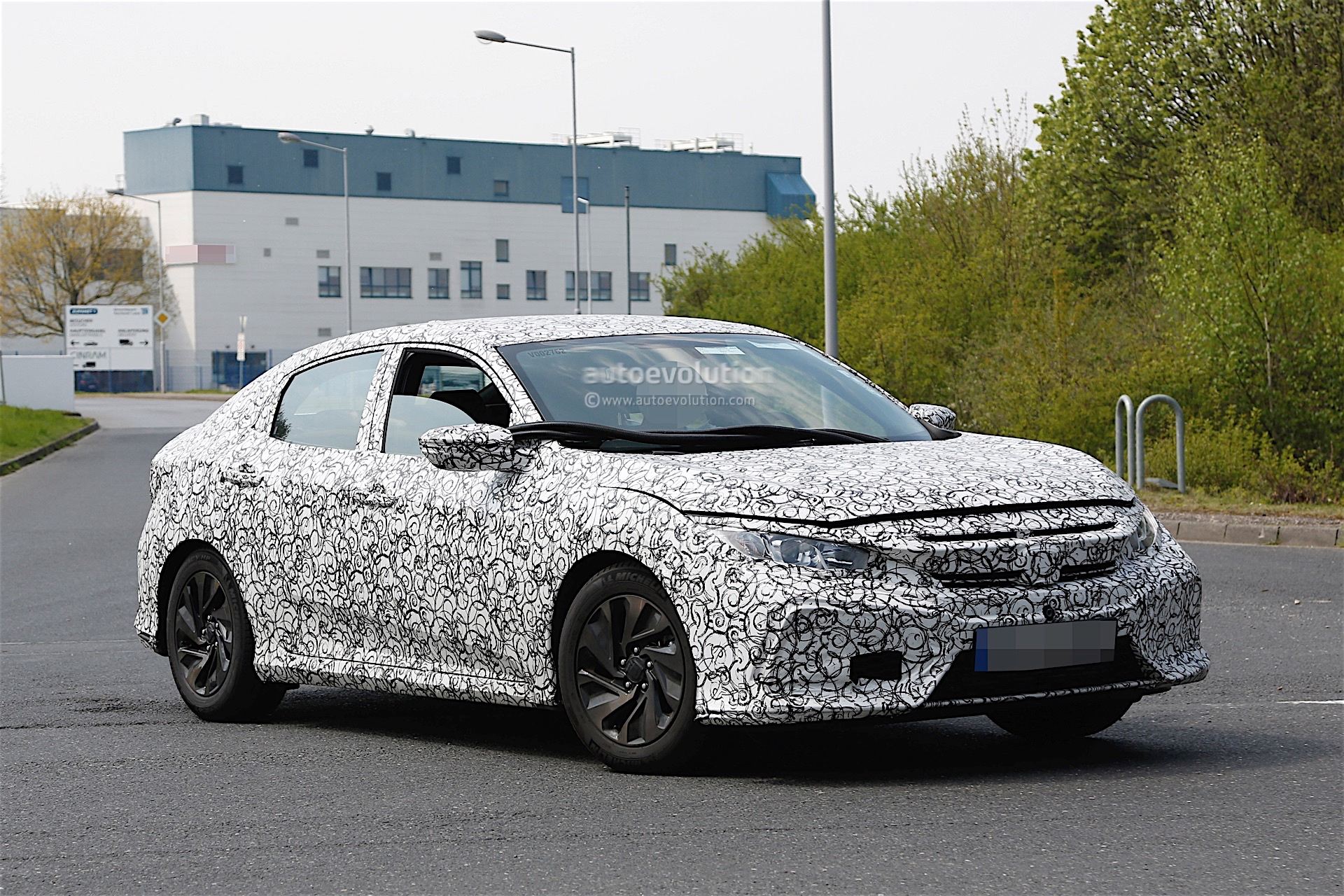 Just like the previous Civic X prototypes spotted until now, the Honda ...