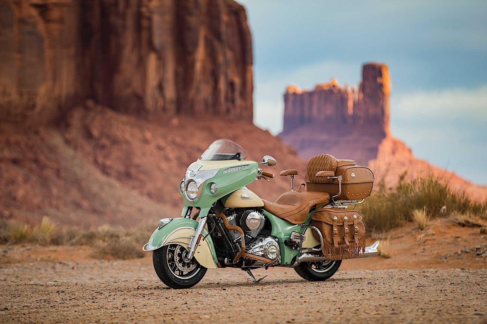 20 Photos 2017 Indian Roadmaster