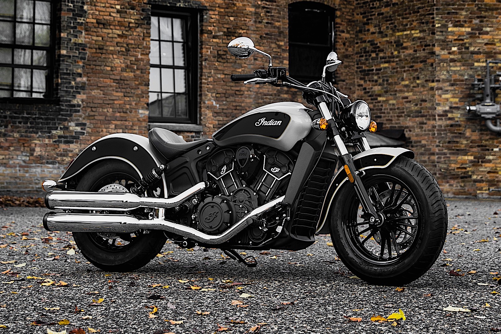 2017 indian scout sixty hits emea market in new two tone scheme autoevolution. Black Bedroom Furniture Sets. Home Design Ideas
