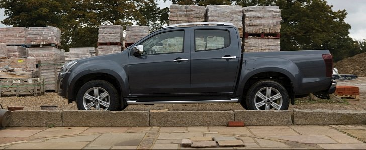 2017 isuzu d max price announced for the uk gbp 15 749. Black Bedroom Furniture Sets. Home Design Ideas