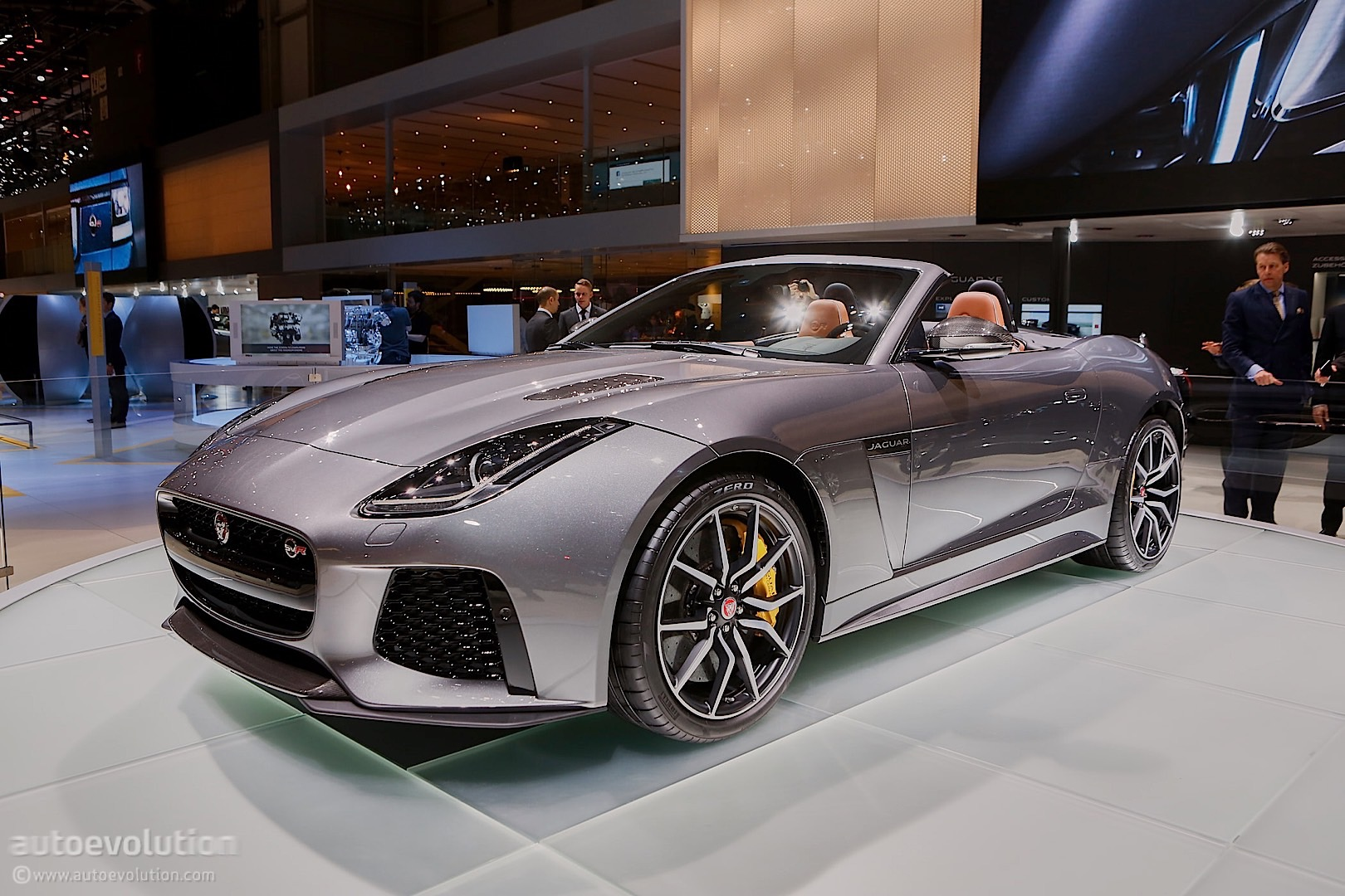2017 Jaguar F-Type SVR Brings Its 200 Mph Top Speed to ...