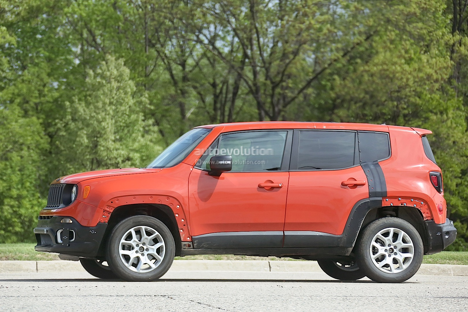 Jeep C Suv Prototype Spied Wearing Renegade Body Shell Photo Gallery on 2015 Chrysler 200 Battery