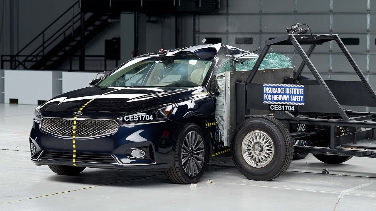 2017 Kia Cadenza Gets Top Safety Pick Rating After Iihs Crash Tests