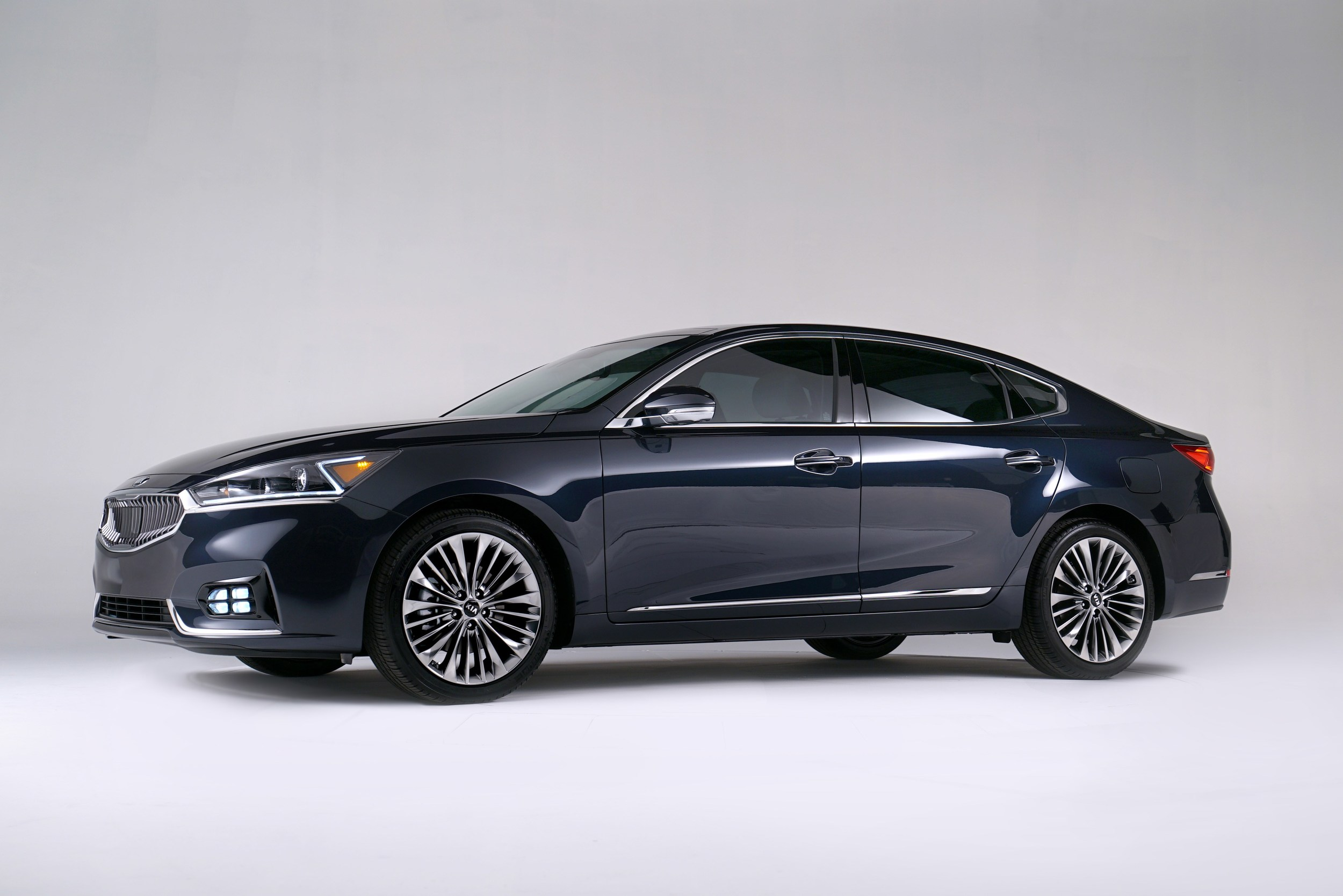 limited br new in capitol kia fwd inventory cadenza car