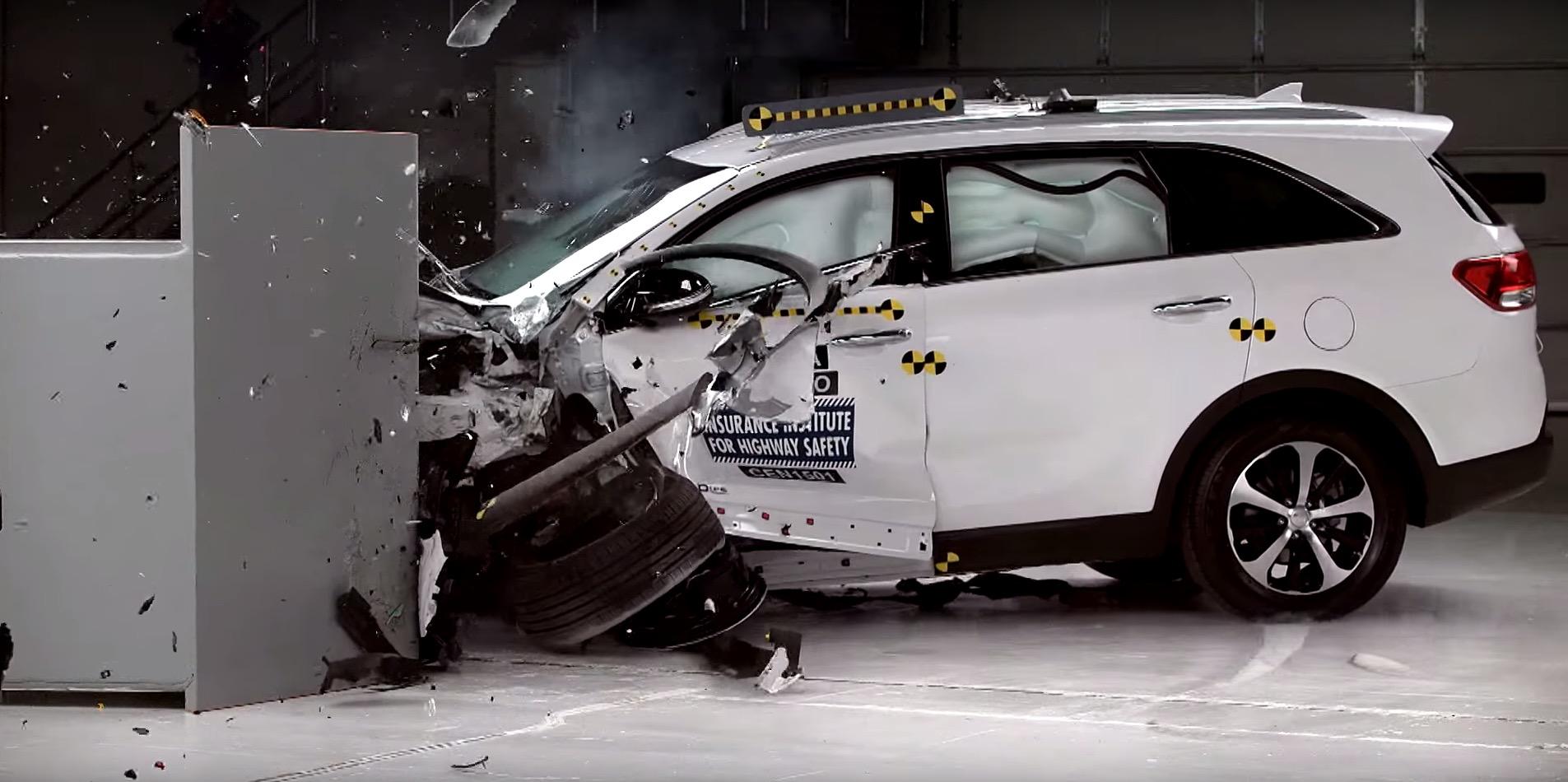 2017 kia sorento crashes its way to earn top safety pick rating autoevolution