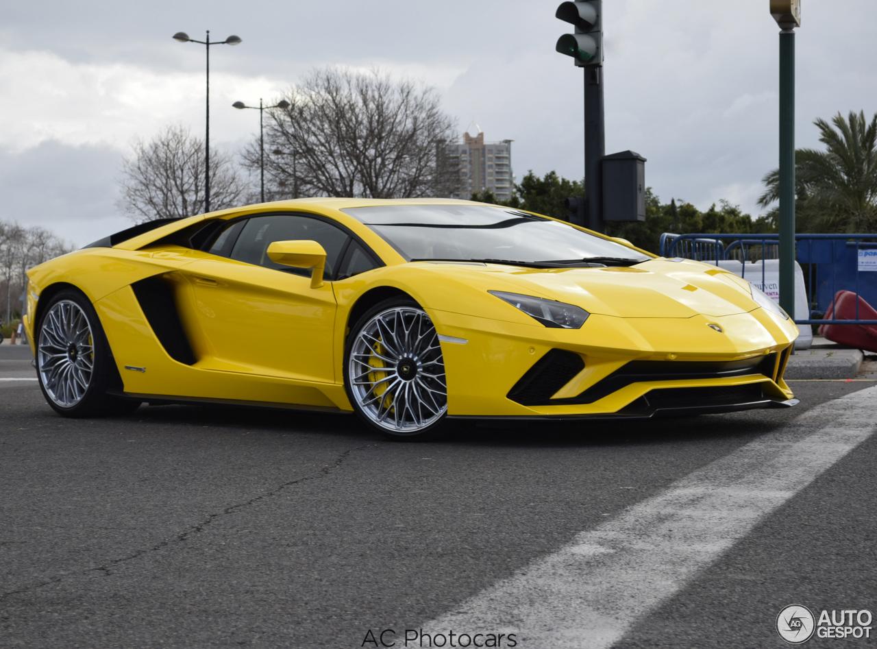 Lamborghini Aventador Reviews Lamborghini Aventador Autos Post