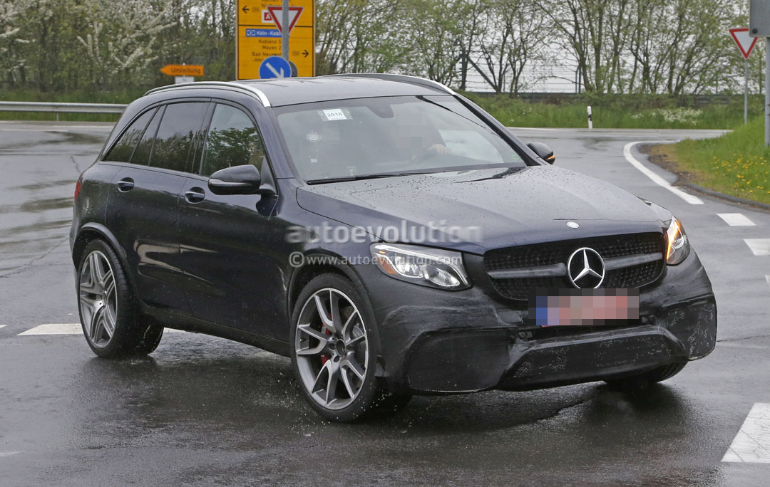 2017 Mercedes Amg Glc63 Shows It All Looks Ready To Take