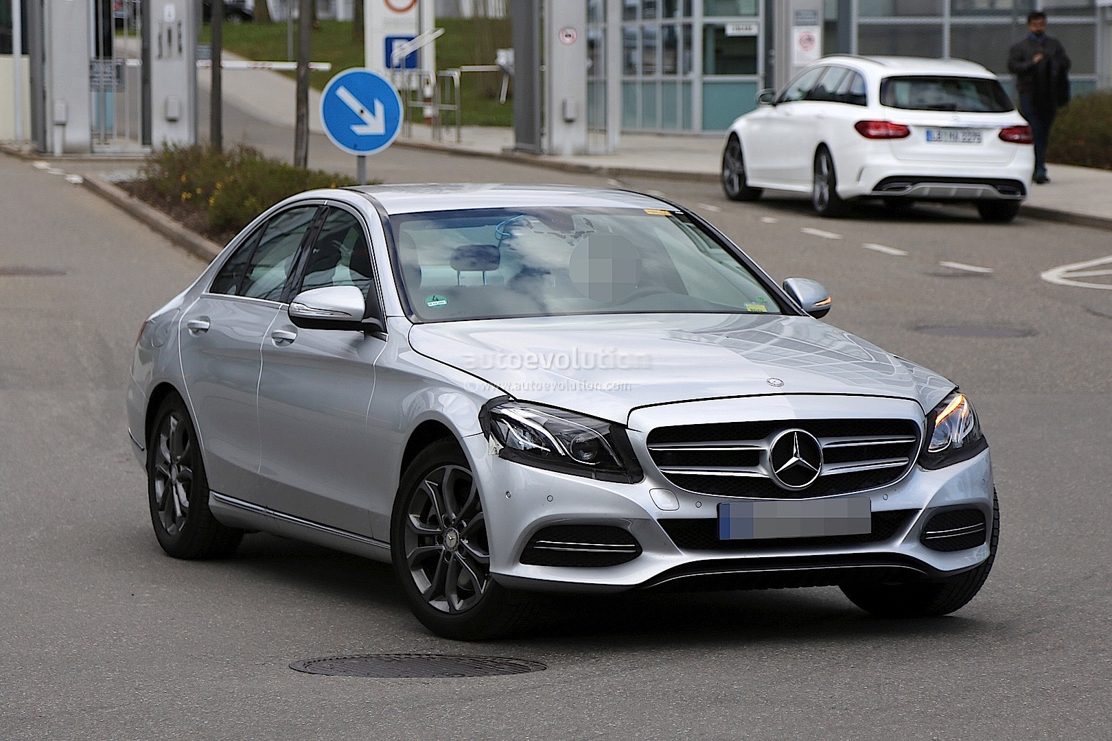 2017 mercedes benz c class facelift spied in germany for Mercedes benz c 2017