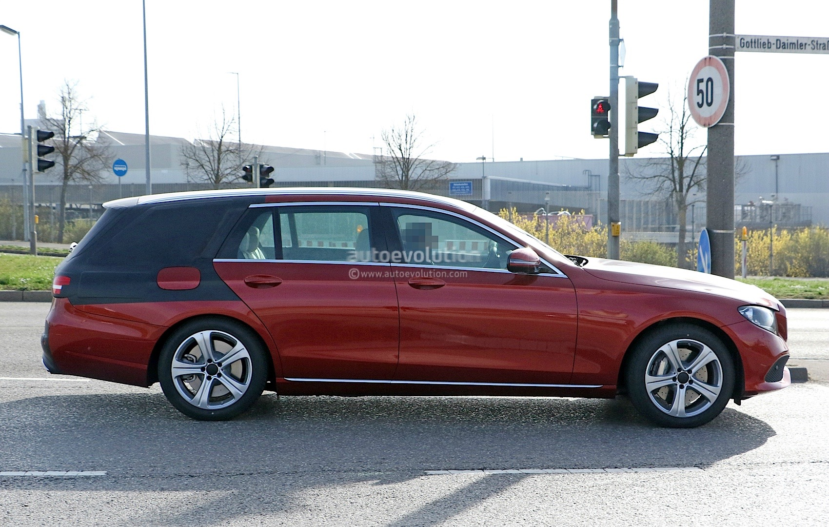 2017 mercedes benz e class wagon s213 spied in germany for Mercedes benz station wagon 2017