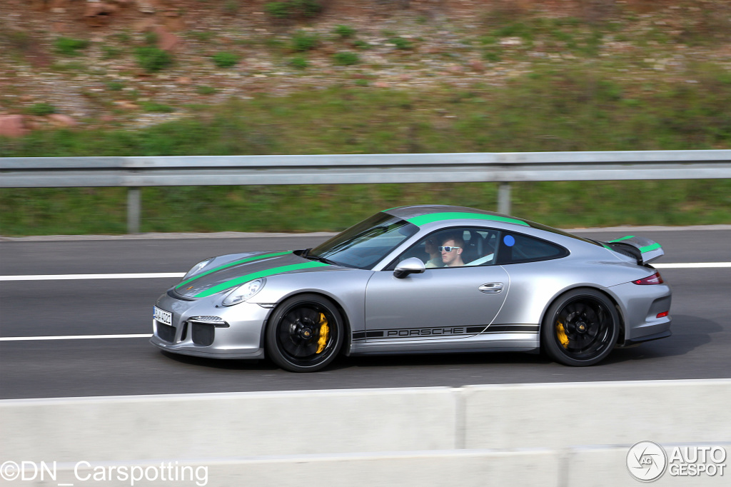 2017 Porsche 911 R With Green Stripes Shows Up In Germany