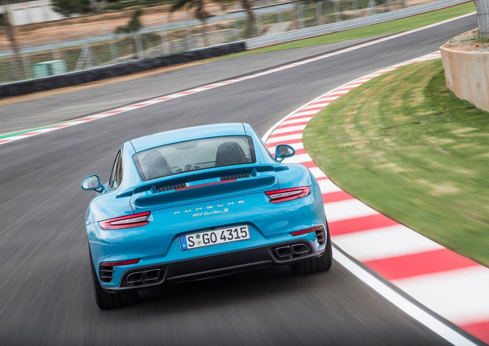 12 Photos 2017 Porsche
