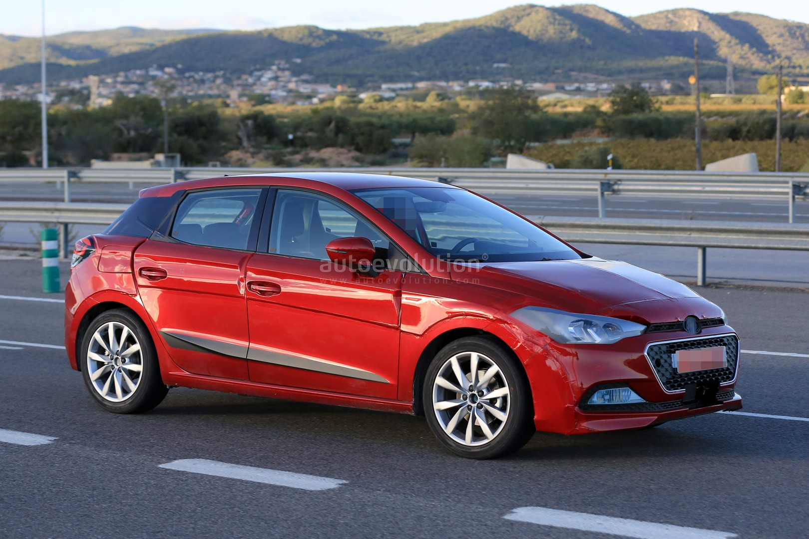 2017 seat ibiza camouflaged as hyundai i20 is just epic autoevolution. Black Bedroom Furniture Sets. Home Design Ideas