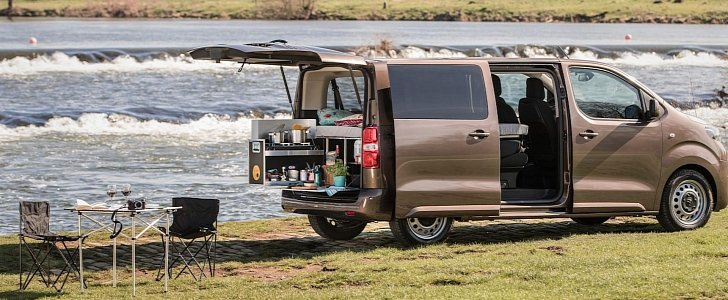 2017 toyota proace verso gets ready for adventure autoevolution. Black Bedroom Furniture Sets. Home Design Ideas