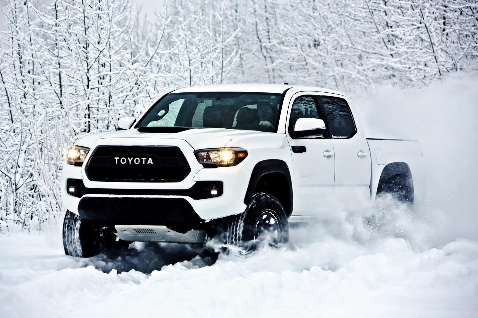 2017 toyota tacoma trd pro is a small but extreme off road pickup autoevolution. Black Bedroom Furniture Sets. Home Design Ideas