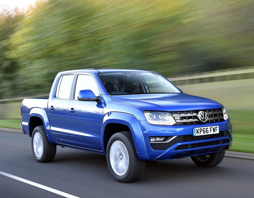 2017 volkswagen amarok v6 tdi now available to order in the uk autoevolution. Black Bedroom Furniture Sets. Home Design Ideas