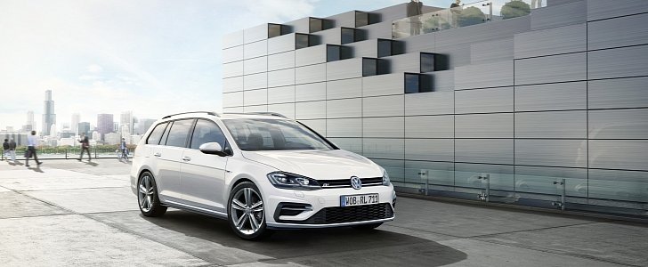 2017 volkswagen golf facelift gets r line kit for hatch and variant autoevolution. Black Bedroom Furniture Sets. Home Design Ideas