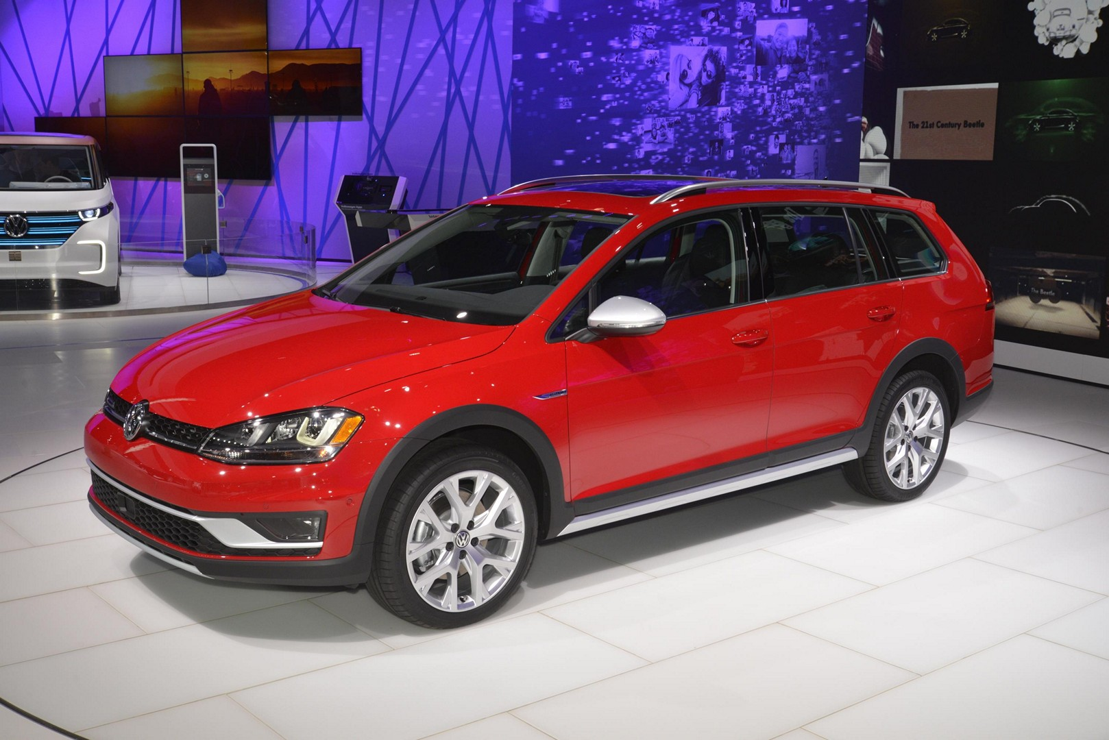 2017 Vw Golf Alltrack Has Dual Exhaust And Red Paint Like A Gti In New York