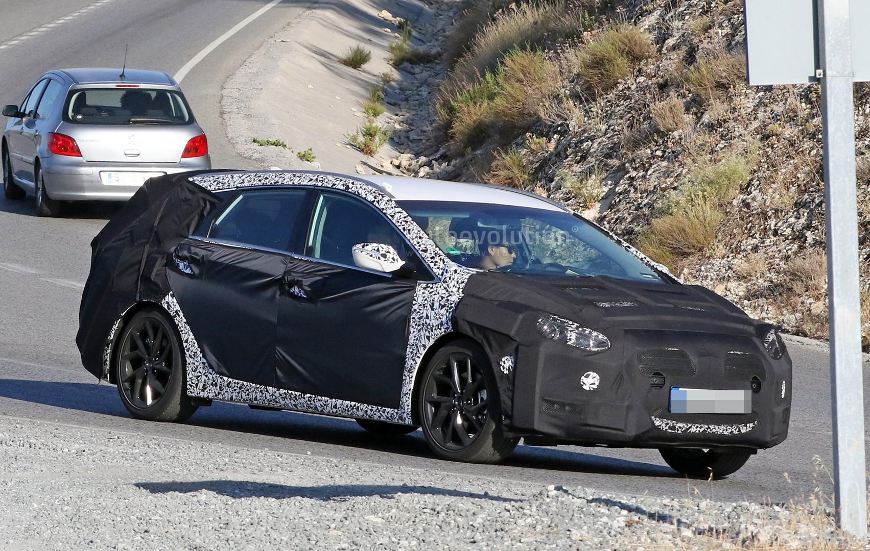 Hyundai Spy Shots >> Spyshots: 2019 Hyundai i40 Wagon Begins Testing - autoevolution