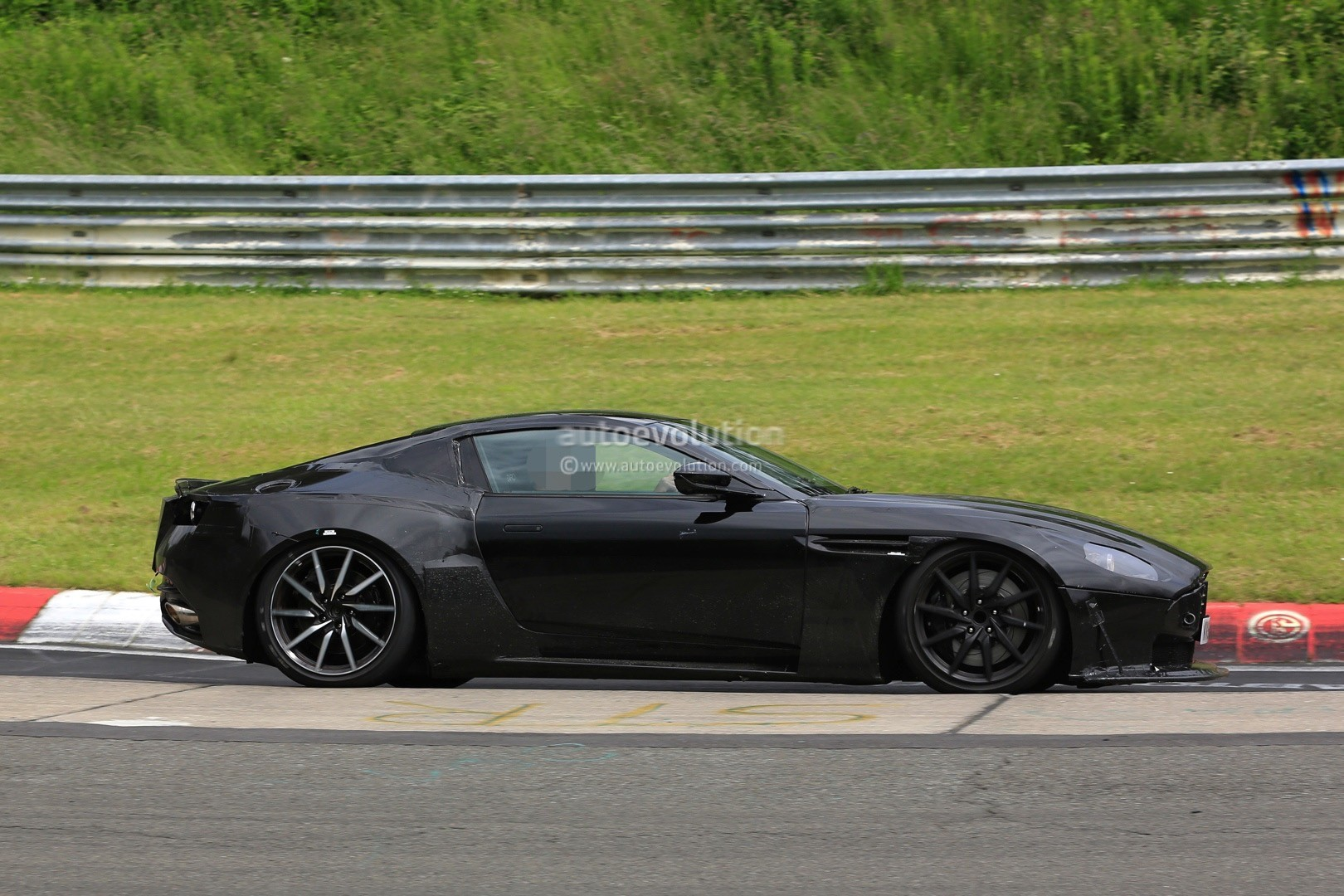 2018 Aston Martin V8 Vantage Design To Be A Cross Between Db10 And