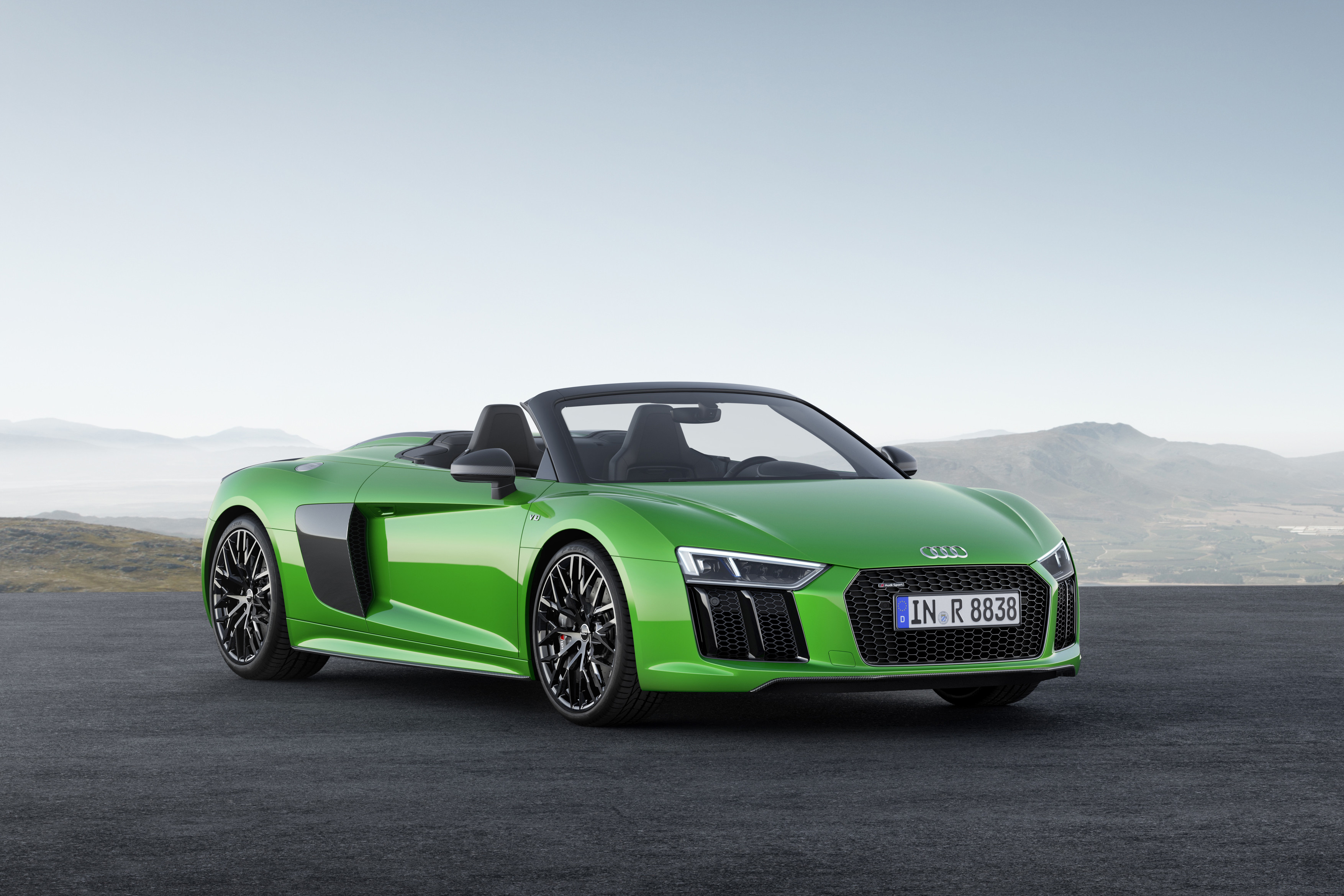 Audi R8 Spyder V10 Plus Revealed in Germany