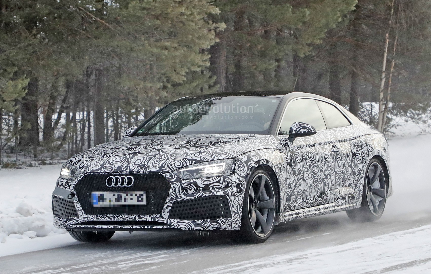 2018 audi rs5 coupe winter testing with 450 hp 600 nm twin turbo v6 autoevolution. Black Bedroom Furniture Sets. Home Design Ideas