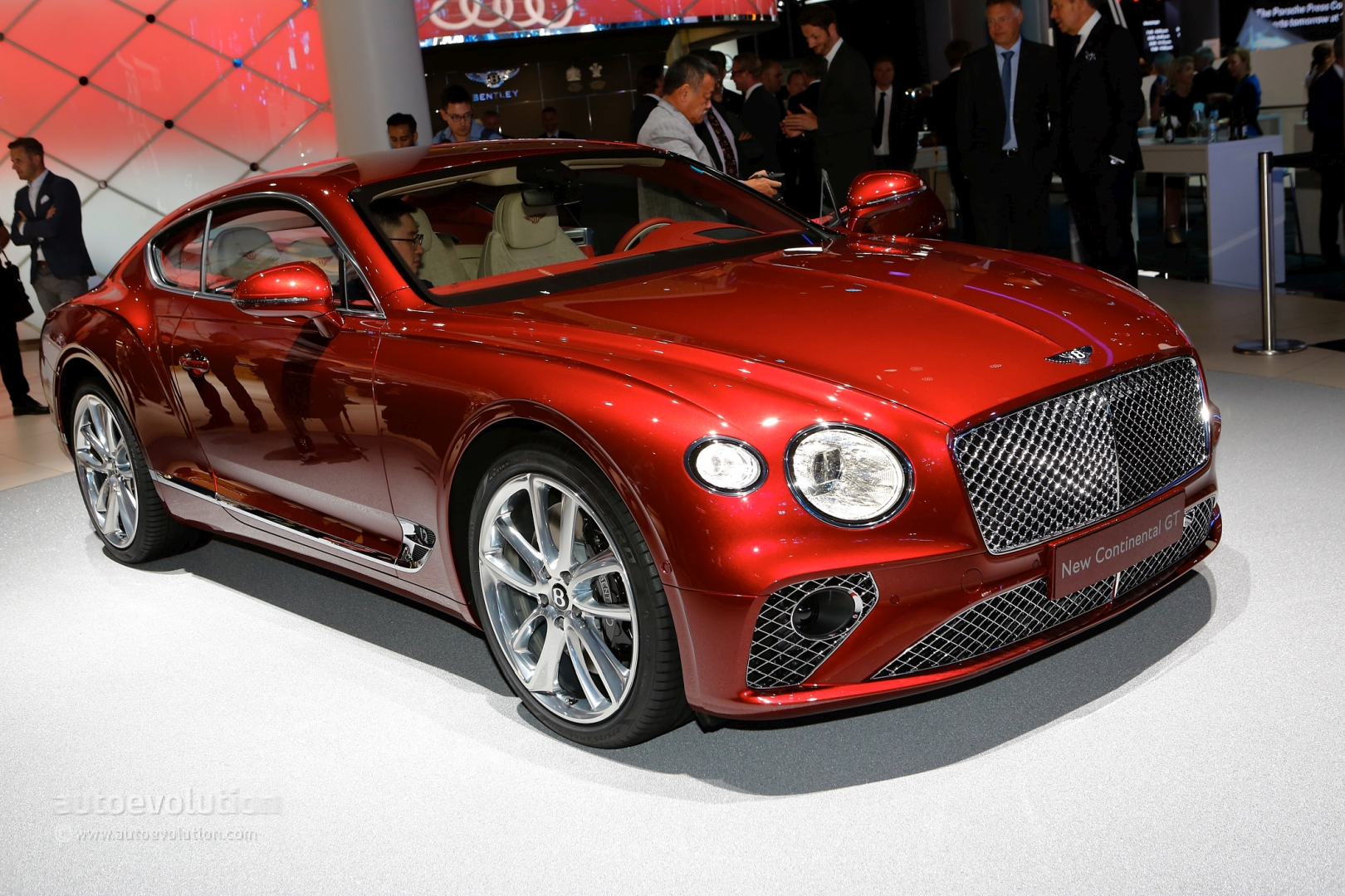2018 bentley continental gt is predictably irresistible in the flesh autoevolution. Black Bedroom Furniture Sets. Home Design Ideas