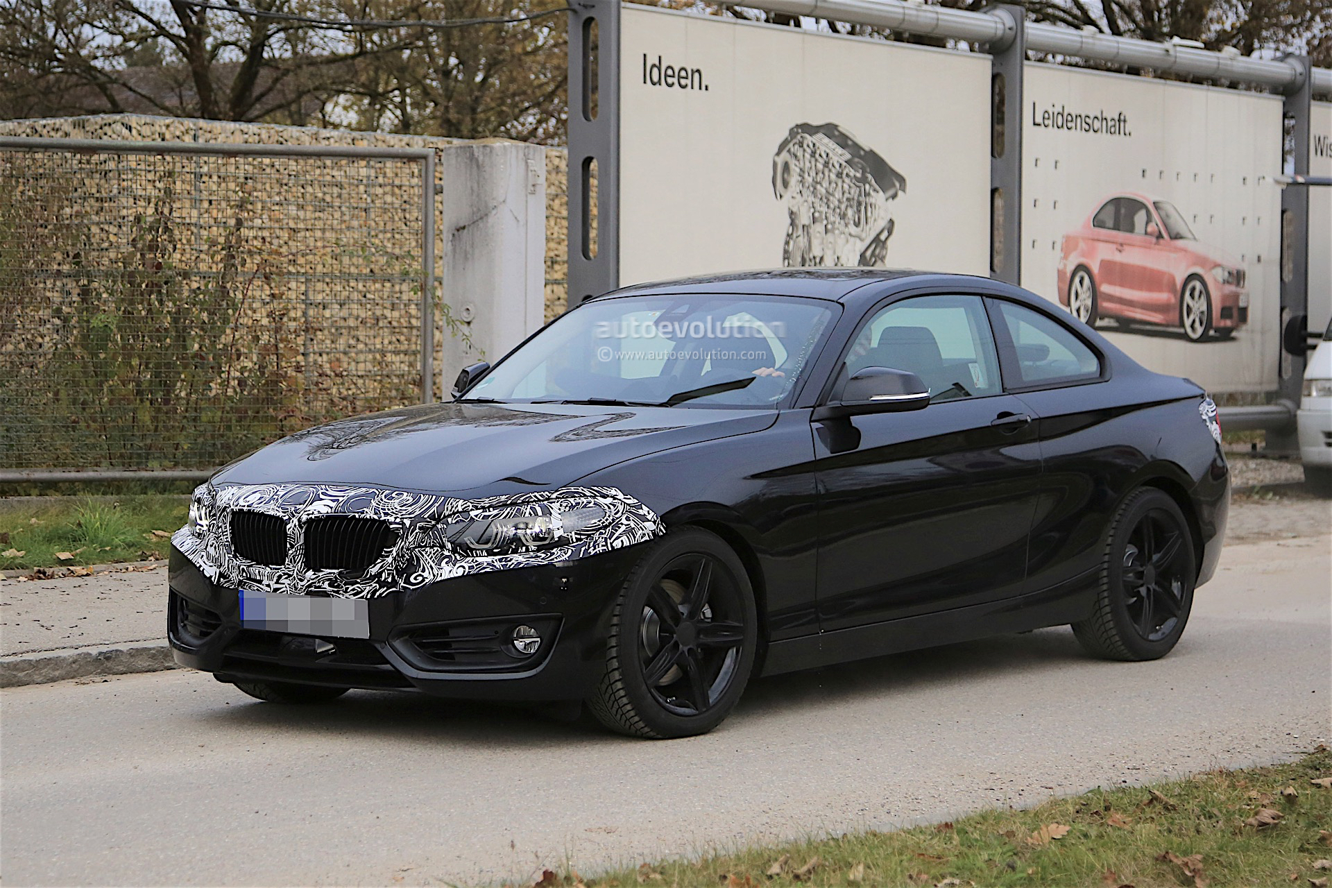 2018 bmw 2 series coupe facelift spied with discreet camouflage autoevolution. Black Bedroom Furniture Sets. Home Design Ideas