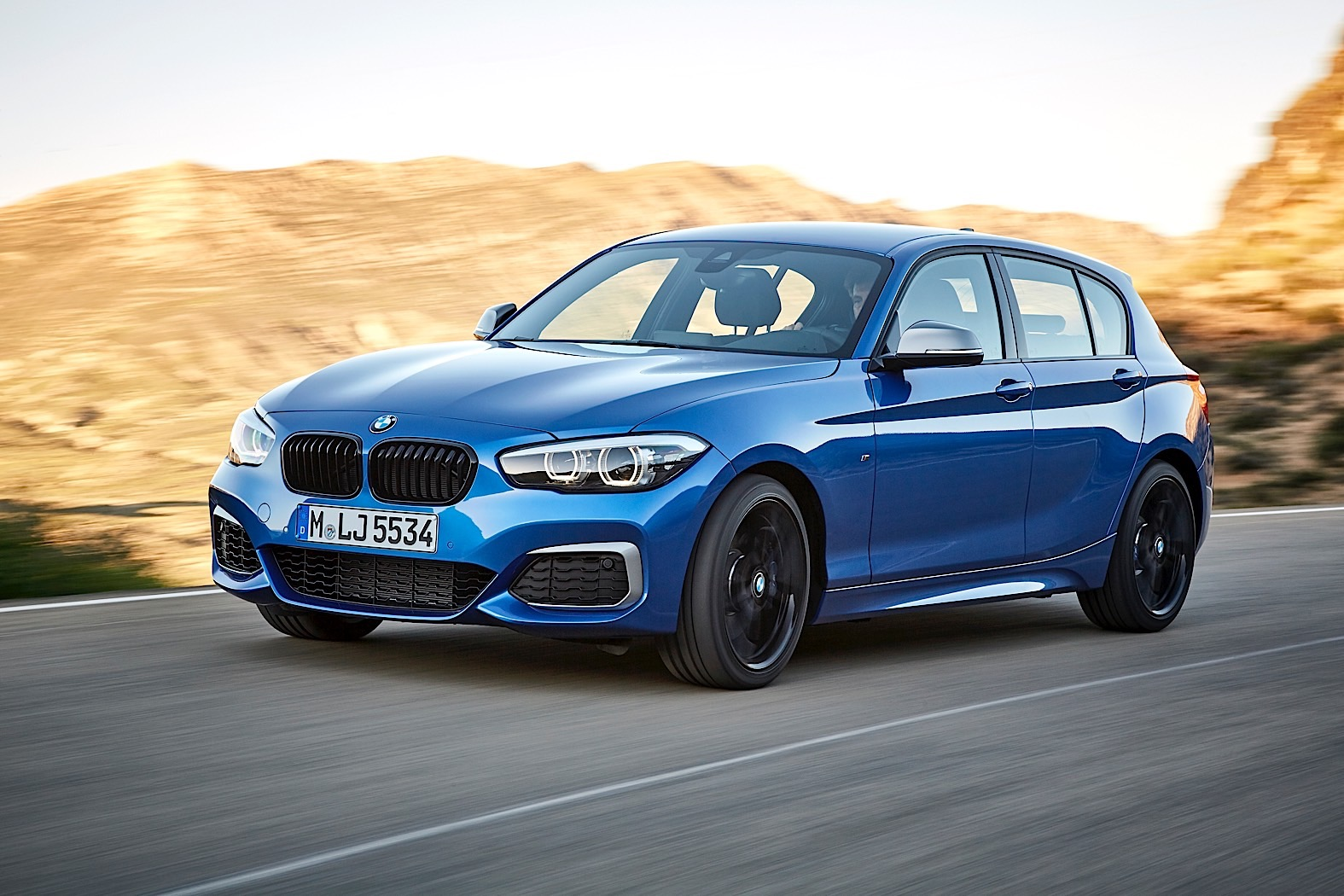 2018 bmw 1 series facelift is just a tiny little nose job also a swan song autoevolution. Black Bedroom Furniture Sets. Home Design Ideas