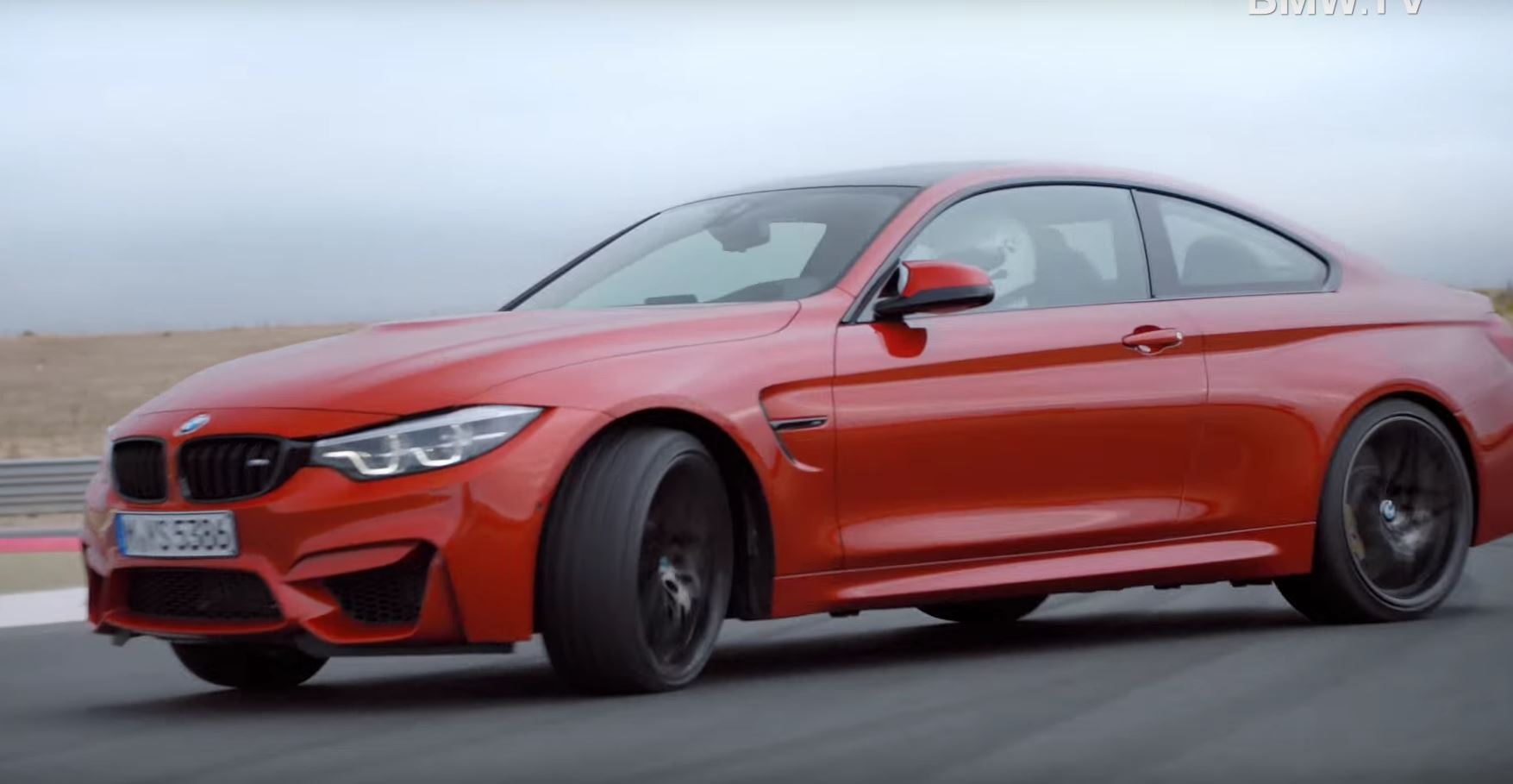 2018 bmw m4 facelift coupe and cabrio hit the track in official videos