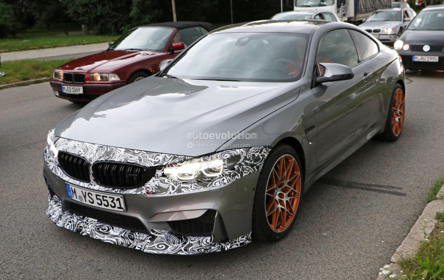 2018 BMW M4 Facelift (LCI) Spied with M4 GTS-like Camouflaged Front ...