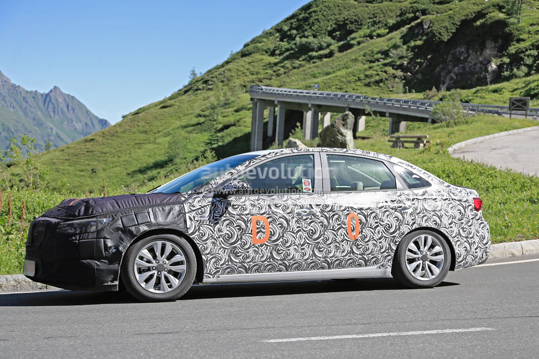 2018 buick excelle gt facelift spied in great detail, shows new sets